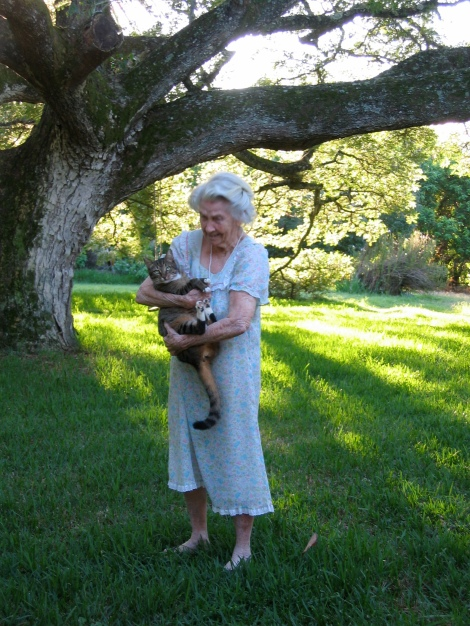 Grand Cousin Phyllis Carr Bruce 99 years old with kitty-cat (photo by sarah nean bruce)